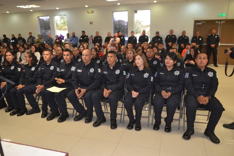 Gradúan 17 cadetes del Cecap