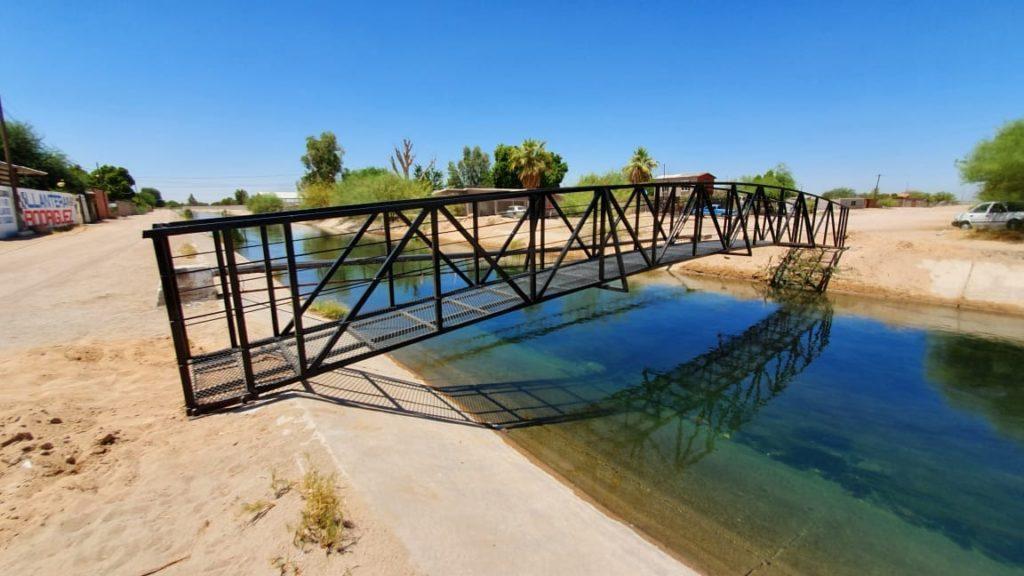 Construye Obras Públicas puente peatonal