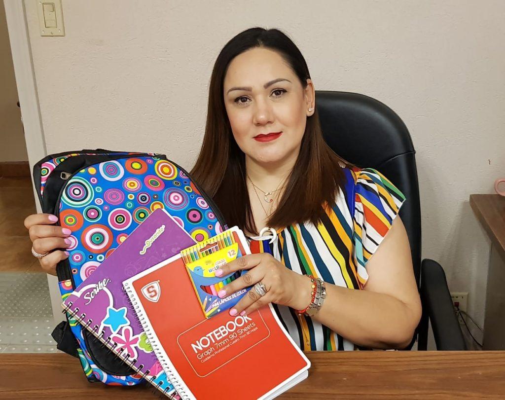 Invita voluntariado DIF a donar útiles escolares