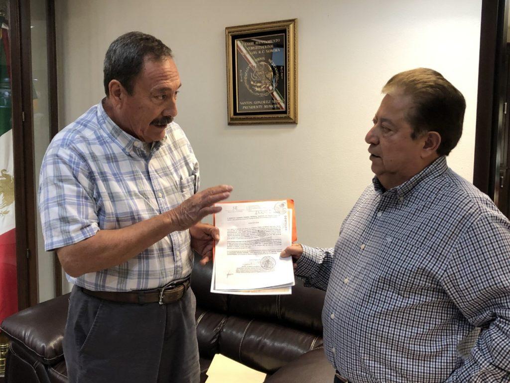 Solicitan ejidatarios apoyo al Presidente Municipal