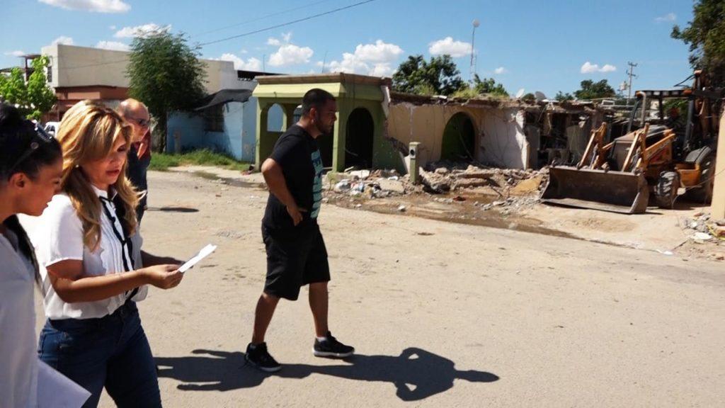 Anuncia Gobernadora apoyos para familias afectadas por explosión de vivienda