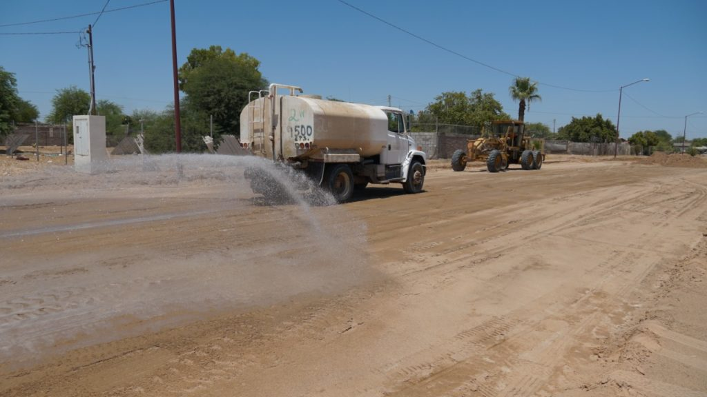 Inician trabajos de pavimentación de la calle 22
